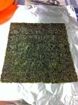 Extendemos el alga nori para maki sushi